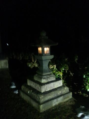 阿奈志神社の石灯籠