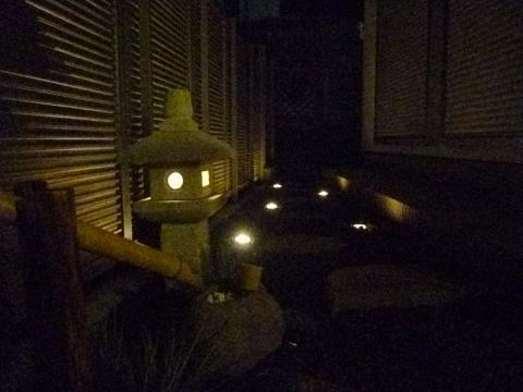 徳永邸の庭園灯です