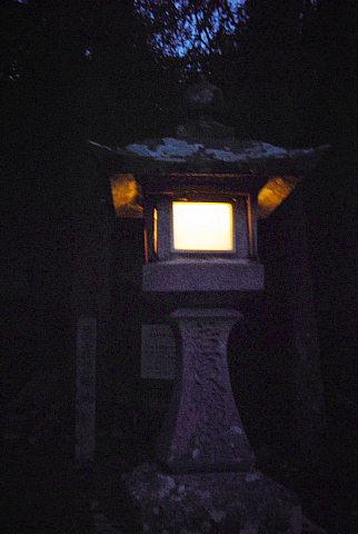 愛知県の神社の石灯籠